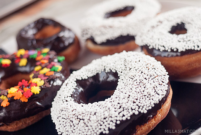 amerikanske-donuts-sjokolade