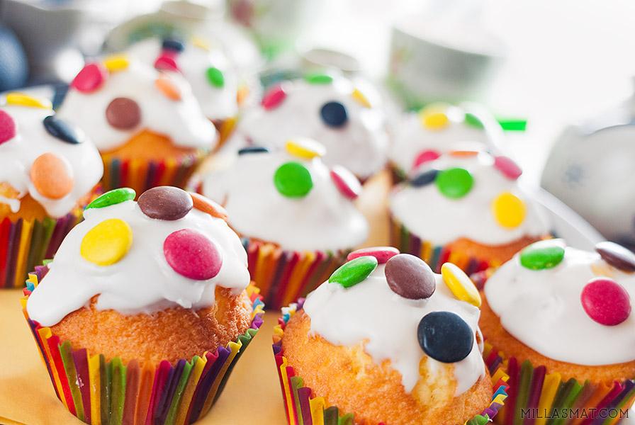 Barnebursdagmuffins med Royal Icing og Non-Stop