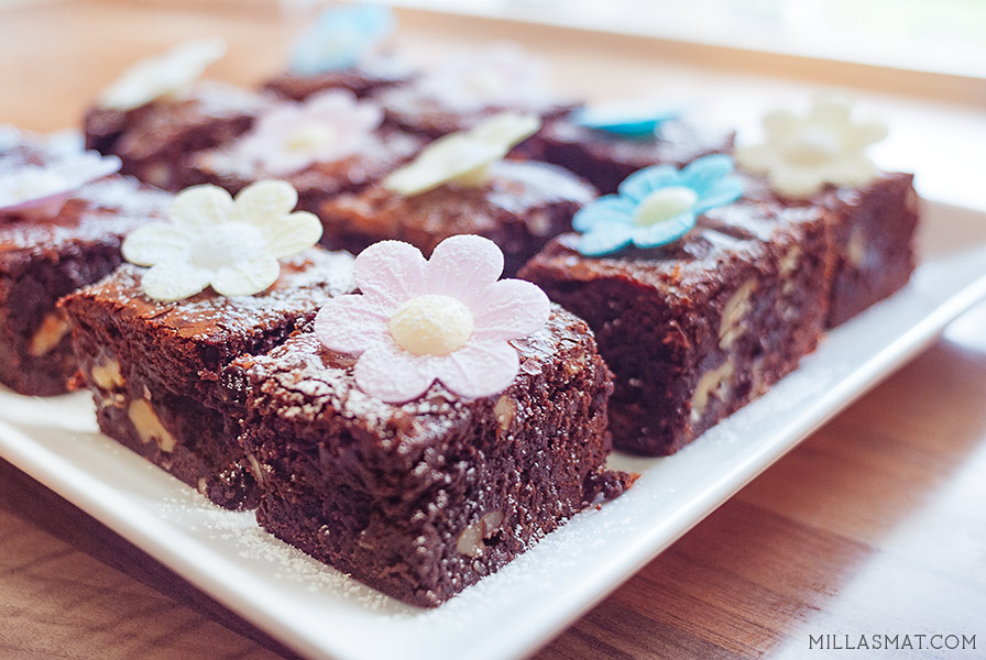 Decadent Daisy Brownies
