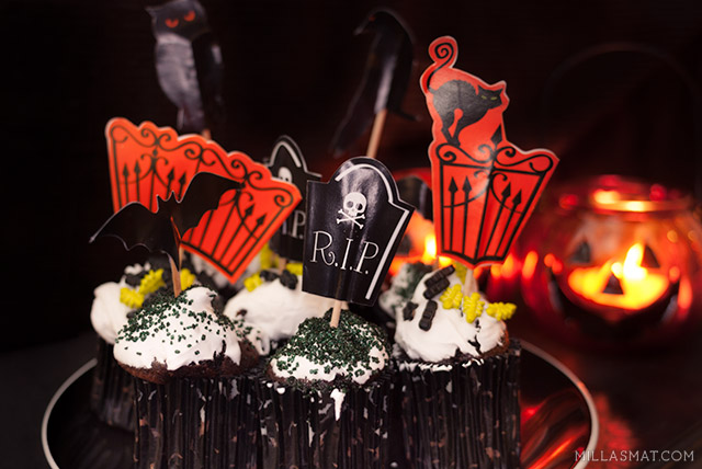 halloween-cupcakes-icing