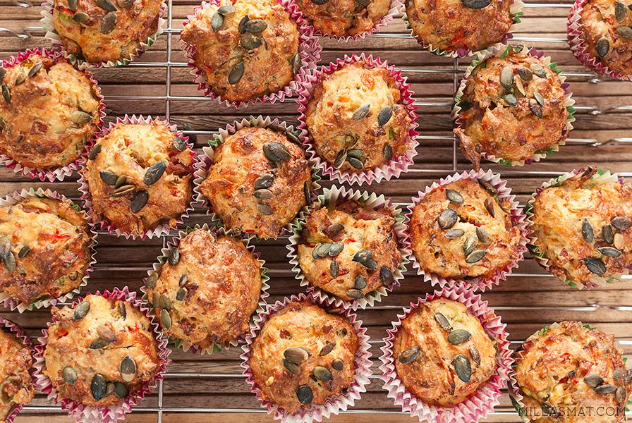 Lunsjmuffins med kesam, vårløk og skinke