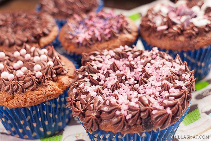 Williams bursdags-cupcakes med sjokoladekrem