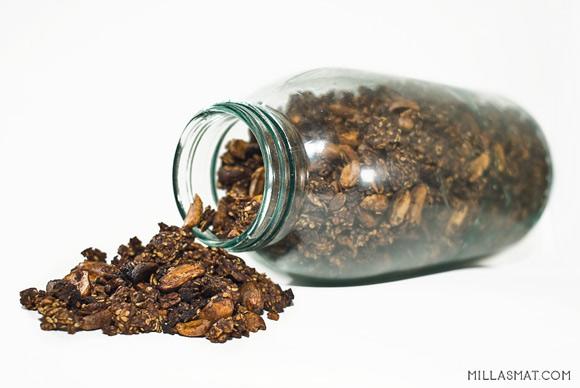 sjokolade-peanott-grenola