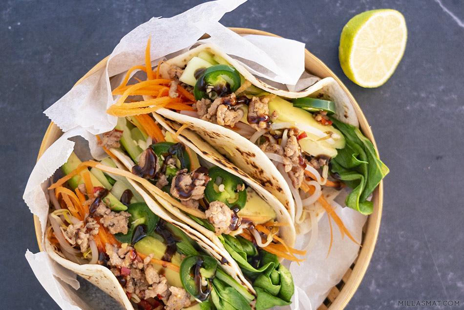 Pan-Asian tacos med Pak choi 白菜