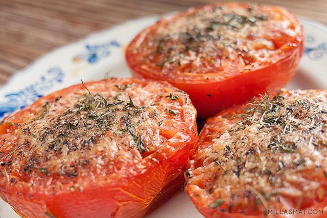 Bakte tomater med parmesan og urter