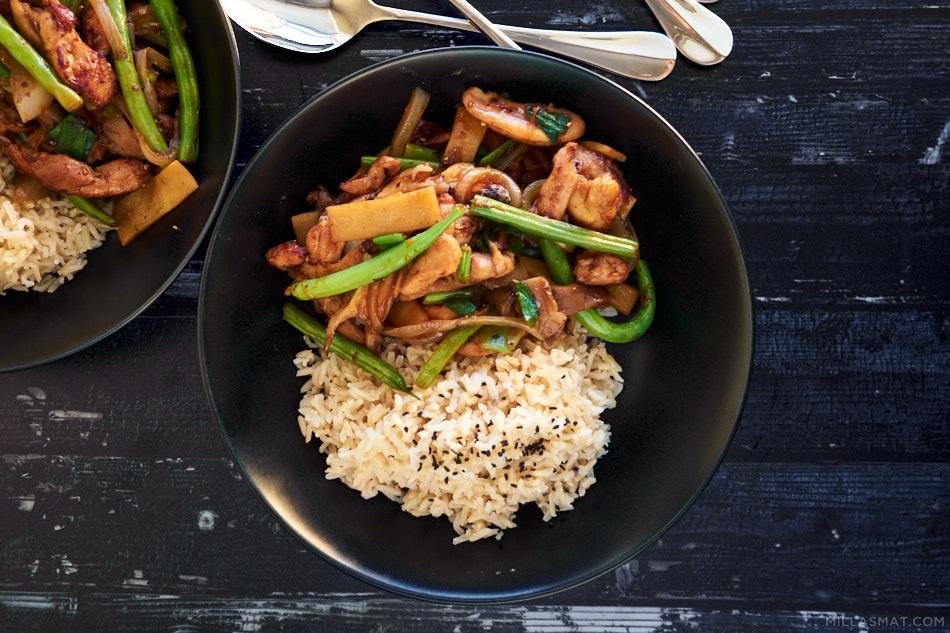 Bambus stir-fry med kylling og grønne bønner