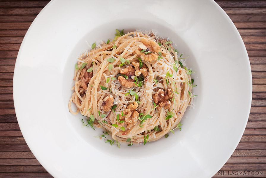 Batali pasta med blomkål og valnøttpesto