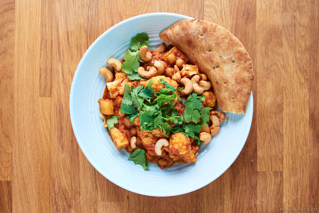 Blomkål, potet- og kikertcurry
