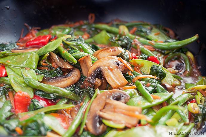 Buddah stir-fry med  åtte grønnsaker