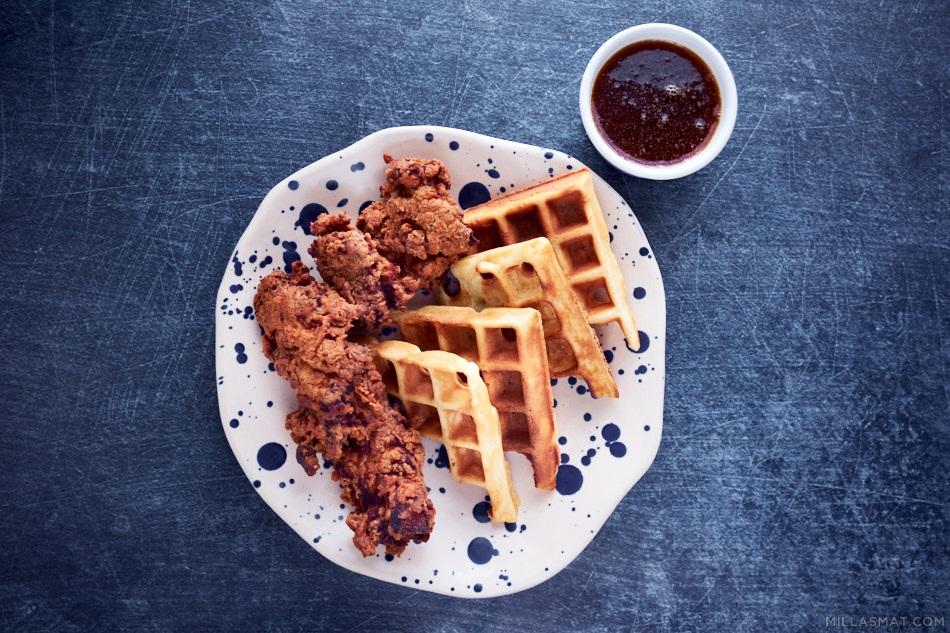 Chicken n' Waffles med bourbonsirup