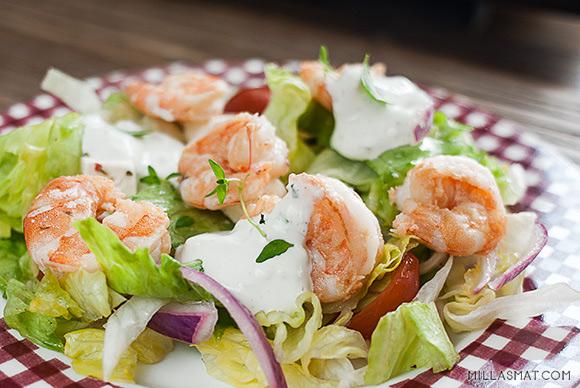 Chiliscampi med salat og hvitløksdressing