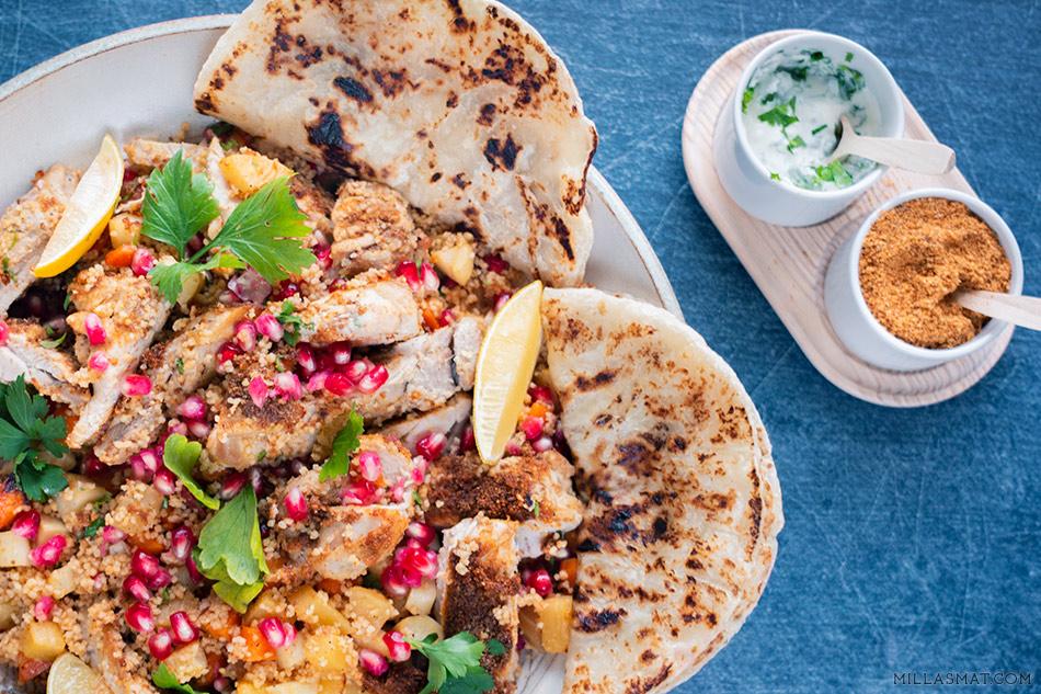 Dukkahkylling og rotfrukt-couscous, yoghurtdressing og roti