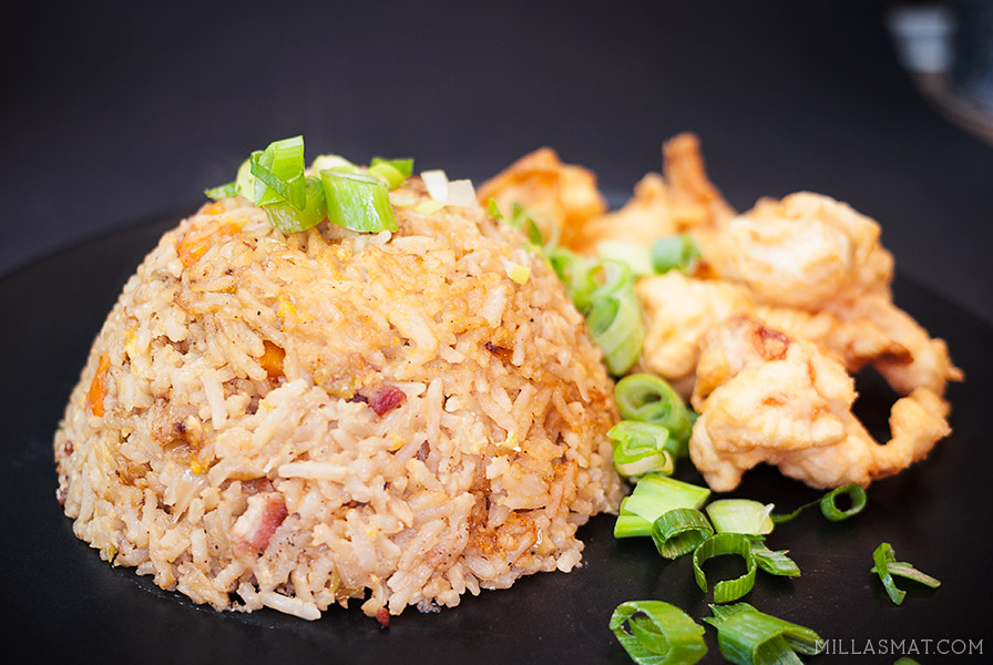 Teppanyaki fried rice med tempurareker