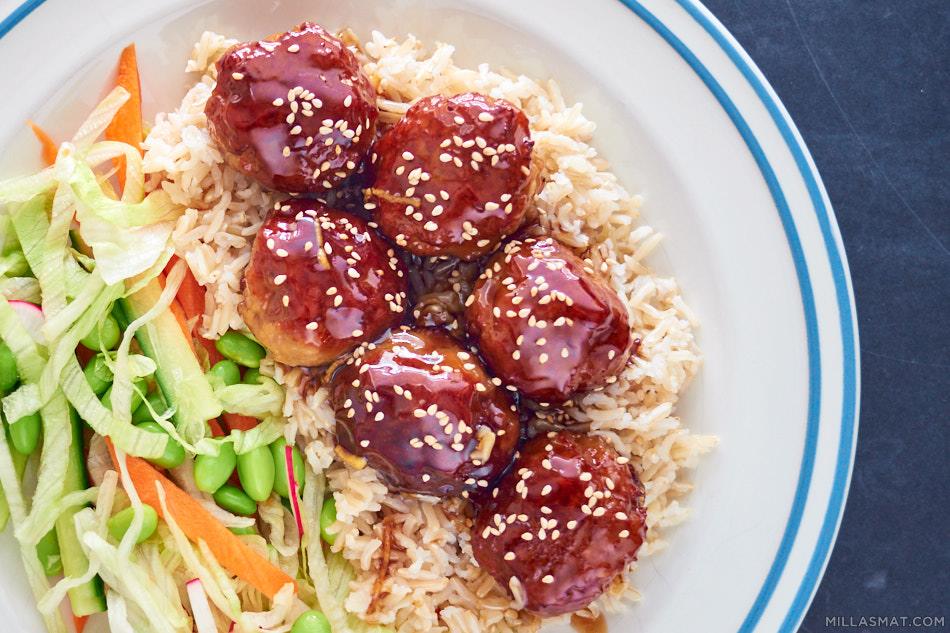 Japanske kjøttboller i sursøt saus