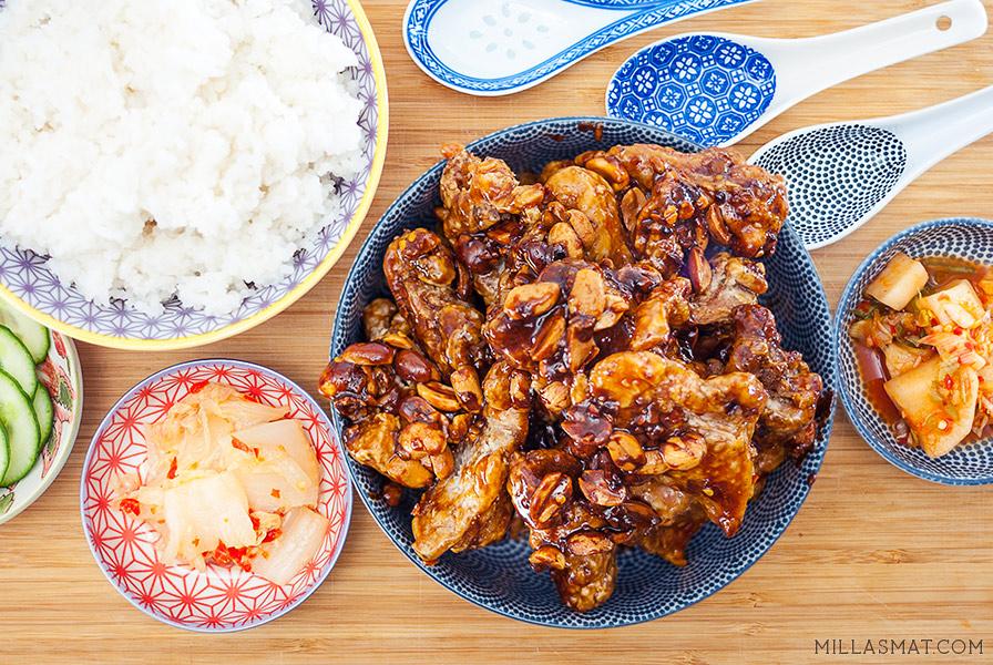 Koreansk fritert kylling (KFC) med peanøtter
