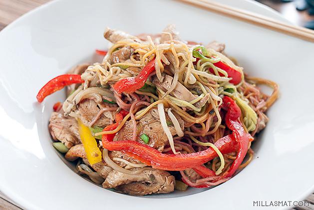 kylling-chow-mein-tao-yin