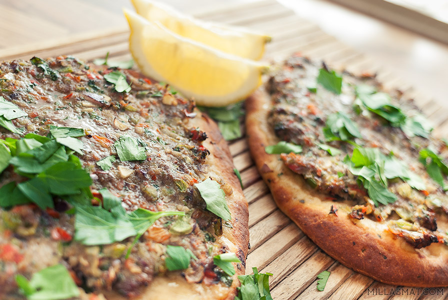 Lahmacun :: tyrkisk nomade pizza