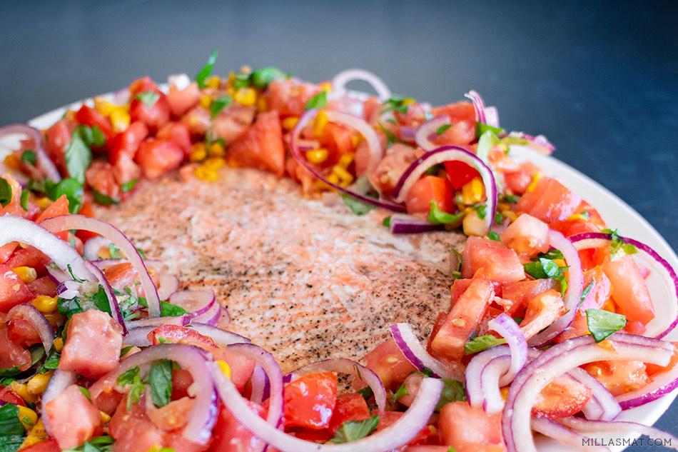 A Quiet Dinner :: ørret og tomatsalat med kremet bakt hvitløksdressing
