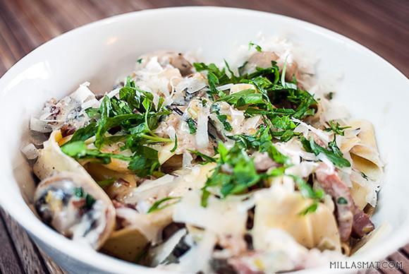 Pasta Ravenna med bacon, purre og sopp