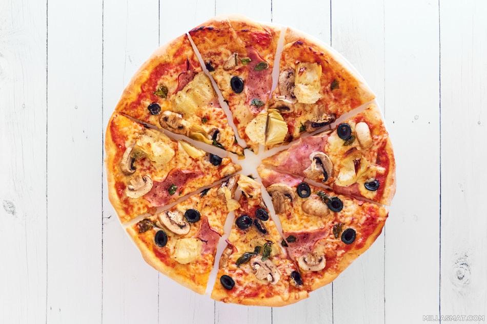 Pizza Capricciosa med prosciutto