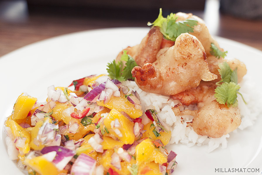 Asiatiske tempurareker med hot mangosalsa