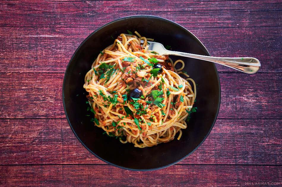 Sluts spaghetti :: horens pasta