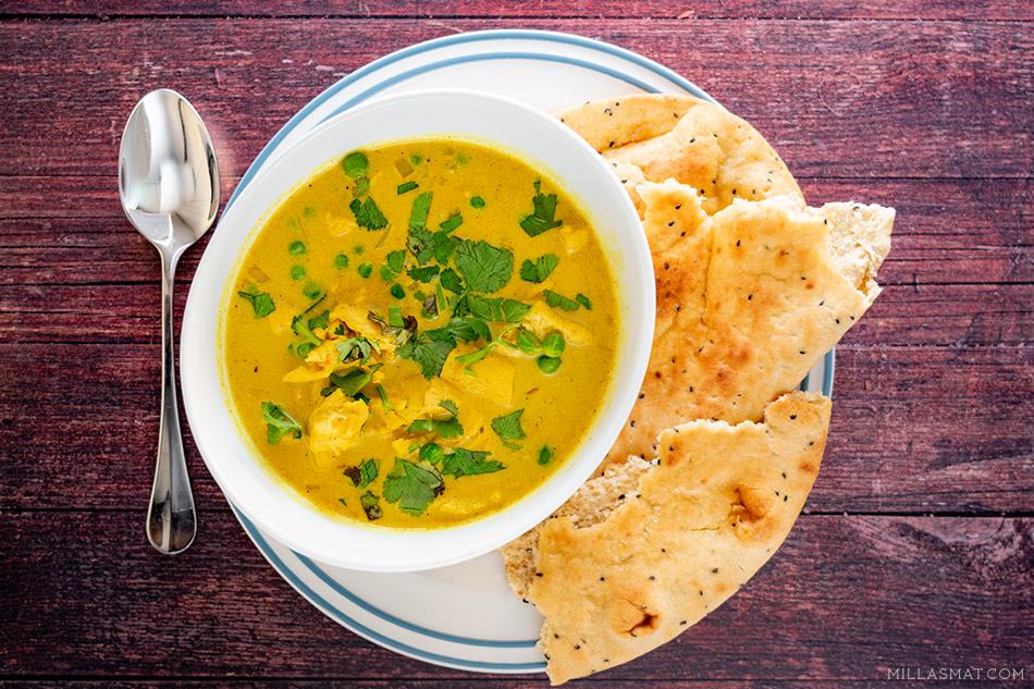 Solgyllen kyllingsuppe :: happiness soup