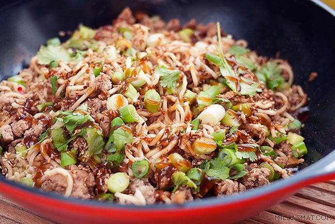szehuan-pork-noodles