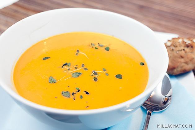 tomatsuppe-ricotta
