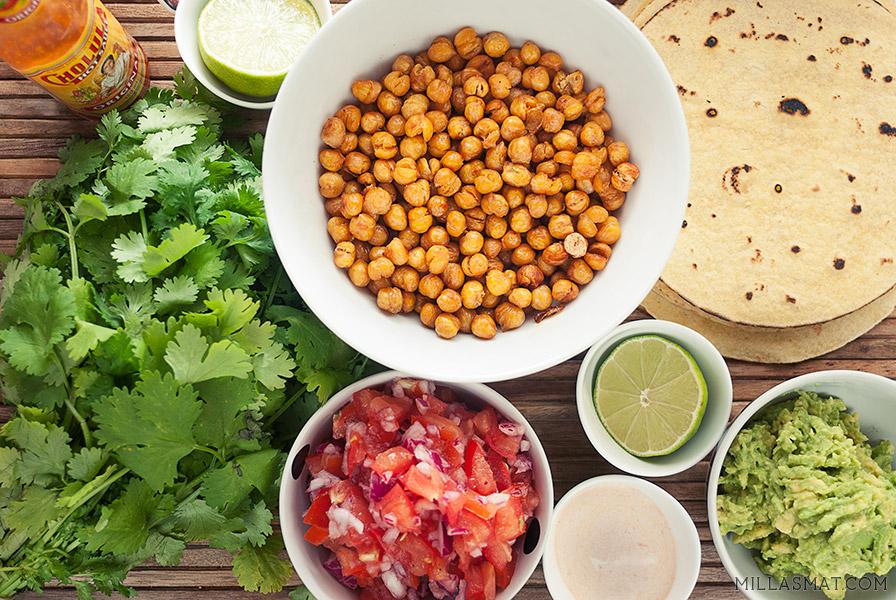 Vegetarfajitas med kikerter og salsa fresca