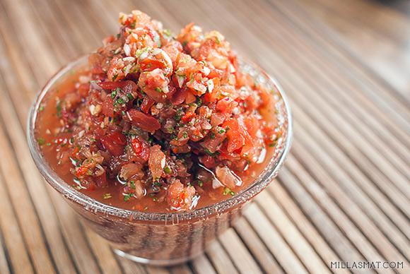 Klassisk spansk tomatsalsa