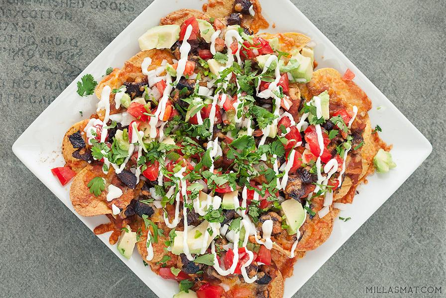 super-deluxe-nachos