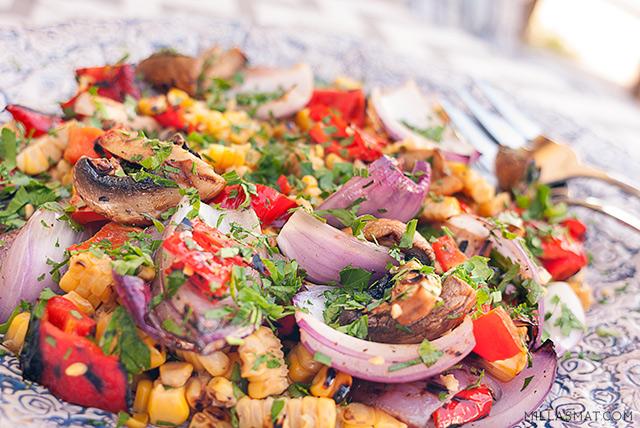 Grillet grønnsaksalat med persille og balsamicovinaigrette
