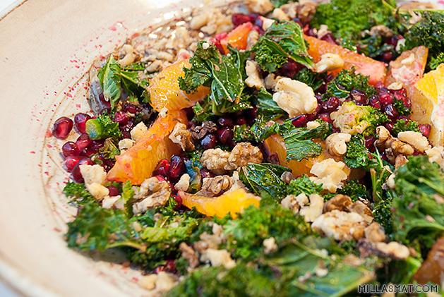 Januarsalat med grønnkål og granateplefrø