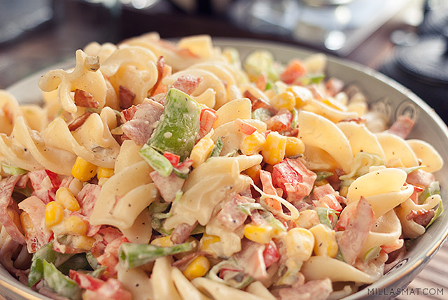 kremet-svensk-pastasalat
