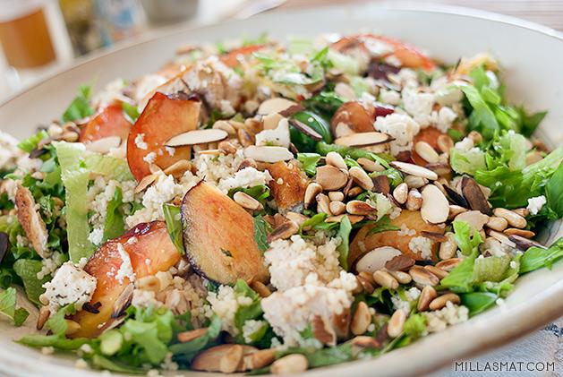 Nektarin, feta og bulgursalat fra Salad Days