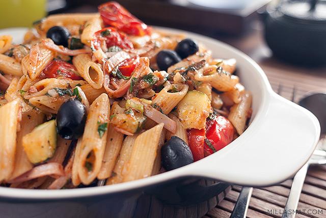 pastasalat-rokt-skinke-urte