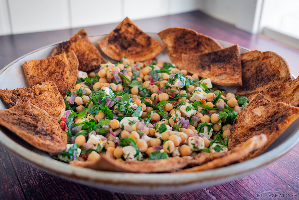 Pita, feta og kikertsalat fra Hellas