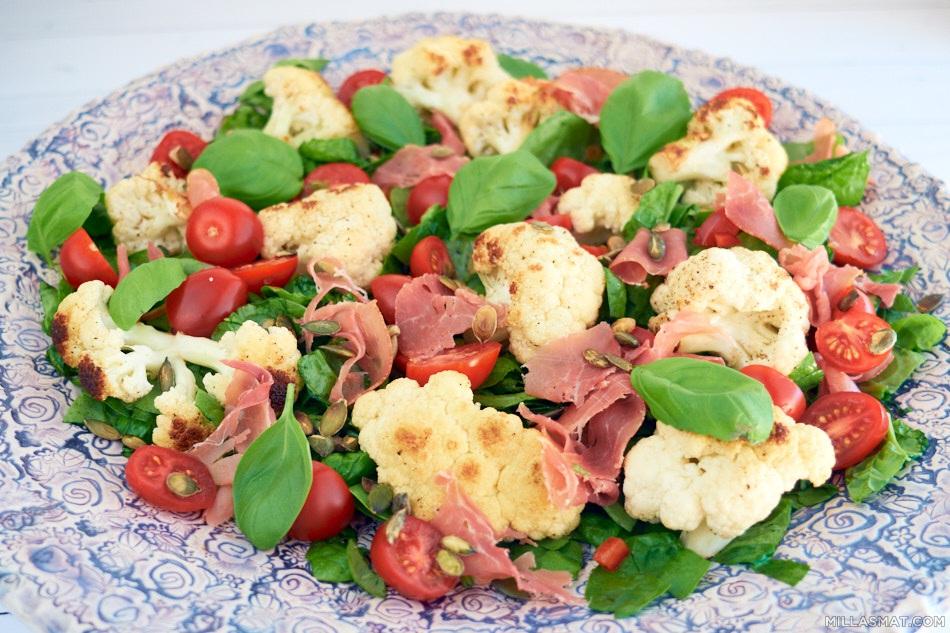 Stekt blomkål og spinatsalat